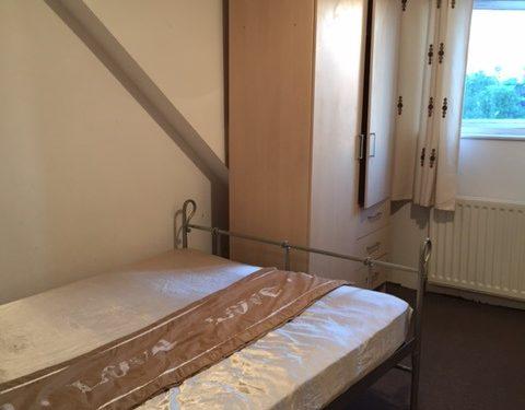 Camera dubla in Neasden £420/luna bilurile incluse libera imediat