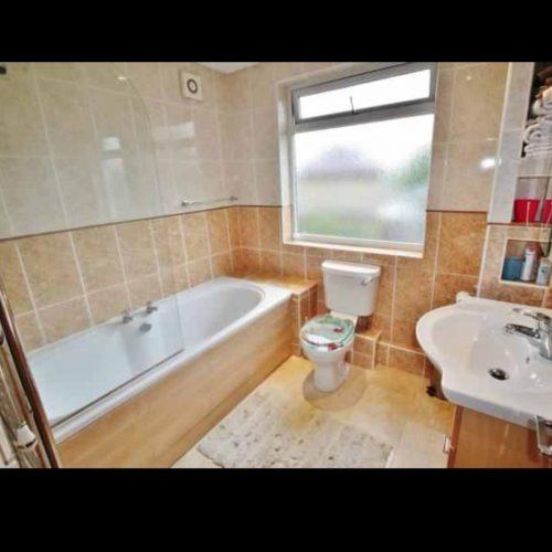 Camera dubla cu baie proprie